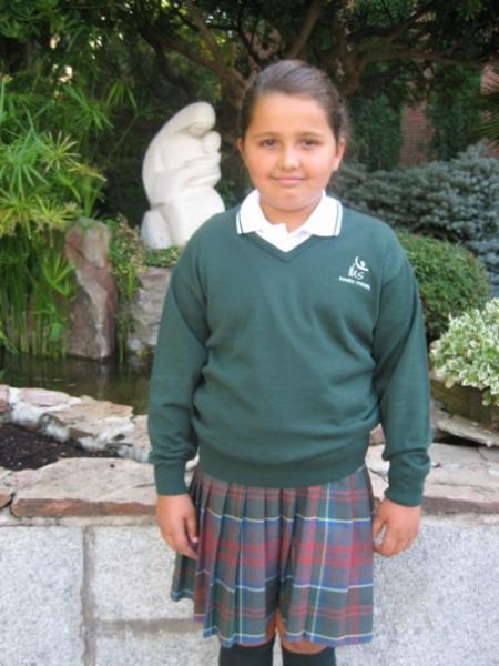 Uniforme alumnas - Colegio Maria Virgen Madrid