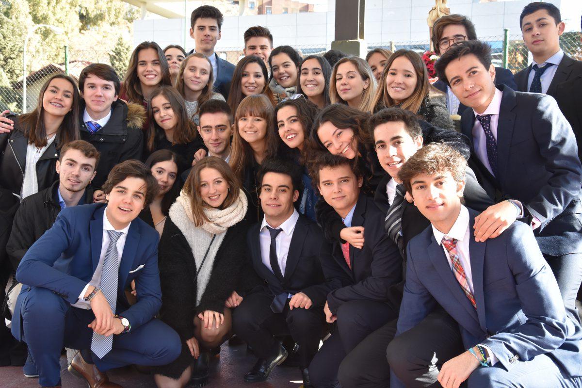 2º bachillerato Jesuitinas Madrid María Virgen celebra la Inmaculada